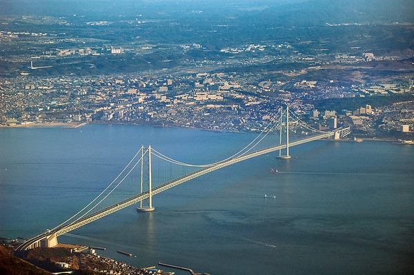 800px-Akashi_Bridge