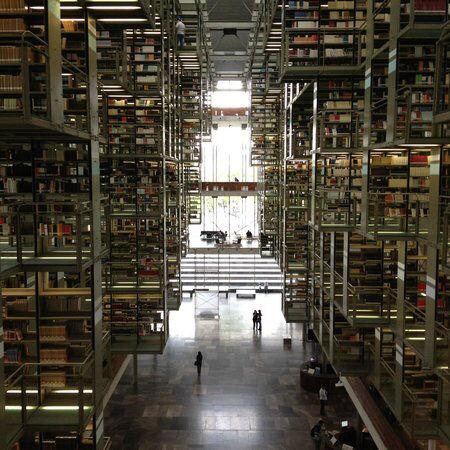 世界の美しい図書館、魔法学校みたいな雰囲気イイ!日本にもこういうの欲しいよね