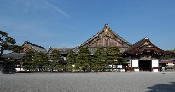 Nijo-jo_Ninomaru-goten_2009