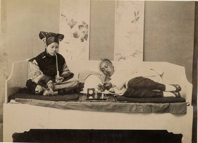 Chinese_Opium_smokers