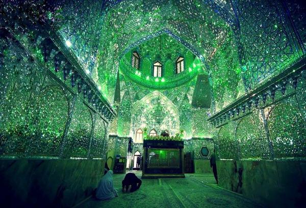 emerald-tomb-ceiling-shah-cheragh-shiraz-iran-3