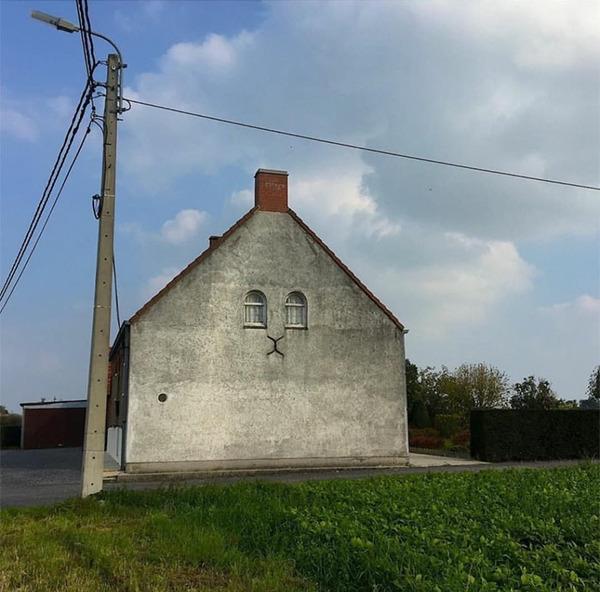 ugly-belgian-houses-12-5cab0a1c3f1c3__700