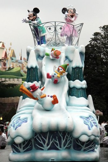 Holiday Parade0 - 003