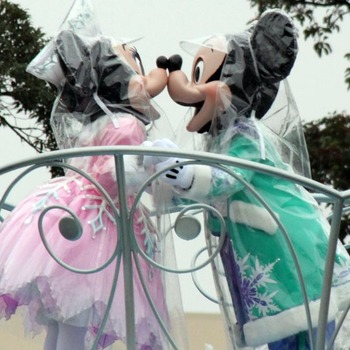 Holiday Parade0 - 001