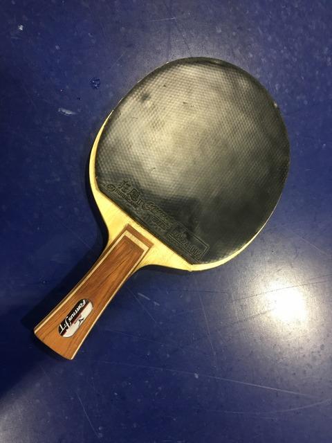 【ぐっちぃ】千葉大学の選手が使うシェークバック粒!フォルティウスにキョウヒョウ2なのにバックは粒高OXを貼る驚きの用具!