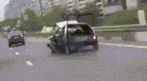 事故車でドライブ