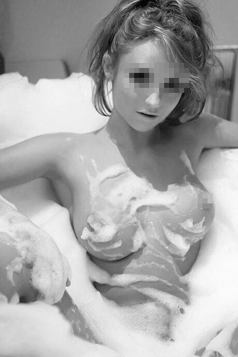 soapy showe-boobies02moz