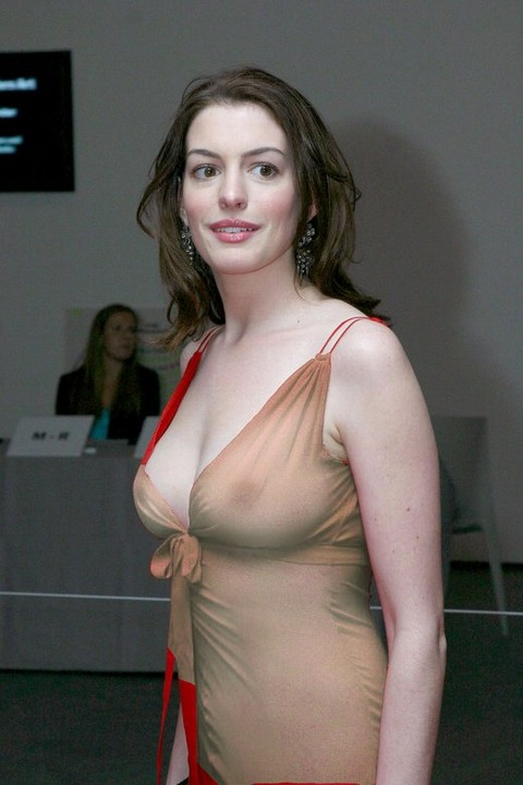 anne_hathaway_nude12(小)