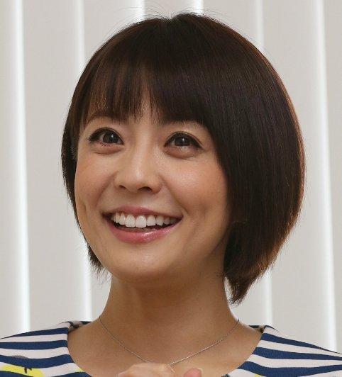 【芸能】小林麻耶、「セーラー服」で夫とカラオケ…
