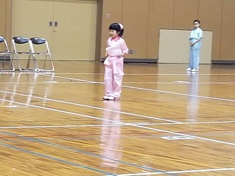 2.パンダ長拳・女子_徳永彩花_800