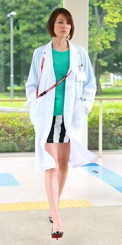 ドクターx 米倉涼子 髪型 ファッション