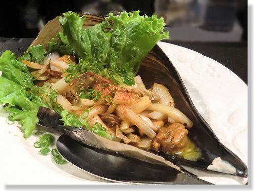 お魚と肉 こだわり居酒屋 だい∥*活たいらぎ貝柱(平貝)*のヒモなどと玉葱の炒め物。∥ (10)