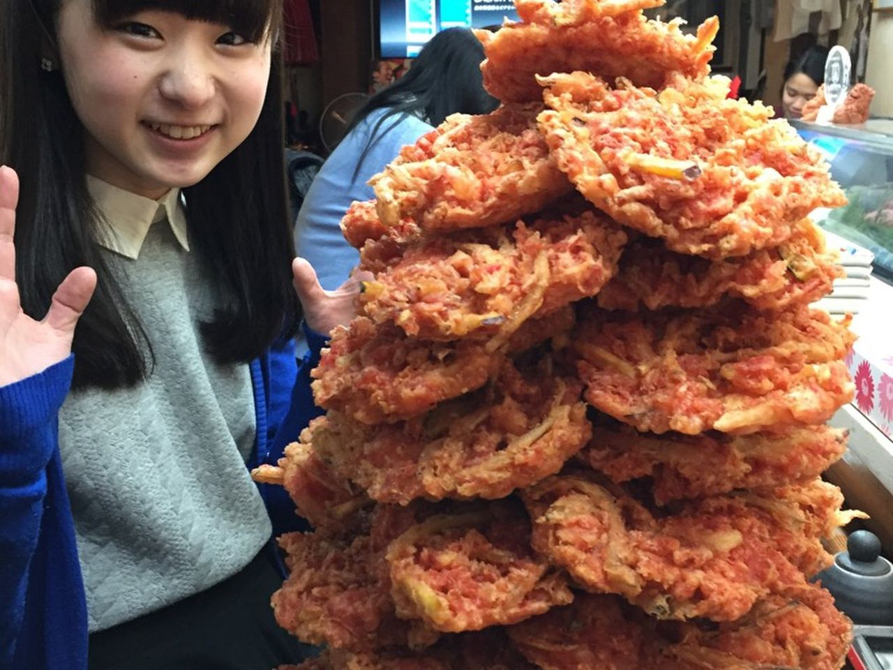 【生活】(注目!)札幌の知られざるB級グルメ「やきそば屋」が凄い!!好きなソースで味付け、そして最大12玉のデカ盛り!対応可!