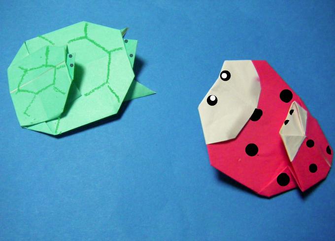 すべての折り紙 折り紙 ネコ : てんとう虫の親子と、亀の親子 ...