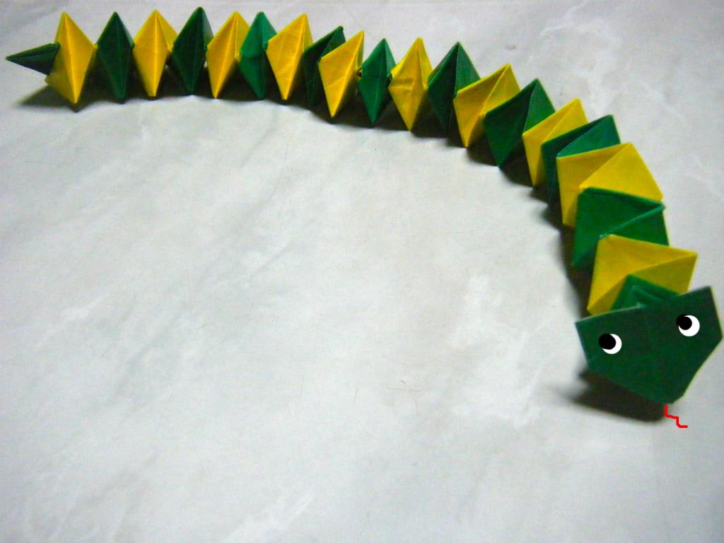 すべての折り紙 かぶと折り紙折り方 : 永遠の破片:《折り紙 ヘビ》