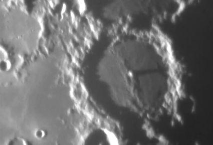 UFO月面基地・建造物写真10