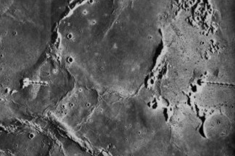 UFO月面基地・建造物写真11
