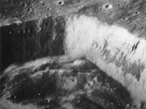 UFO月面基地・建造物写真44