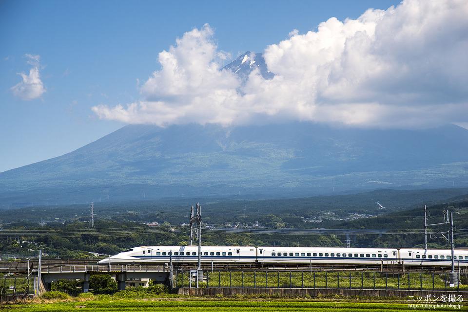 新幹線と富士山_0189
