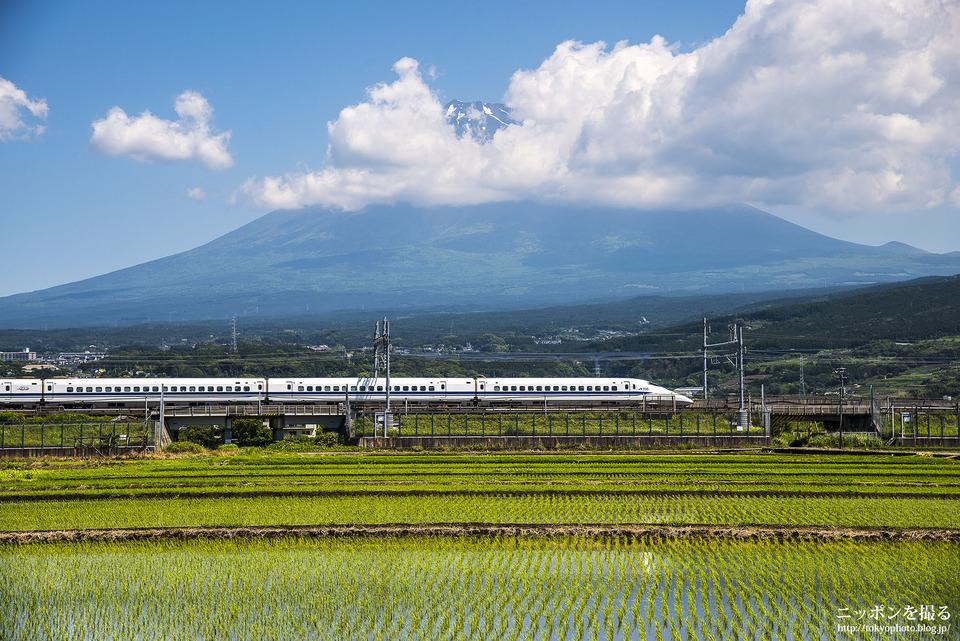 新幹線と富士山_0195