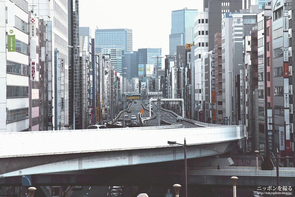 東京の写真_上野の高速道路と街並