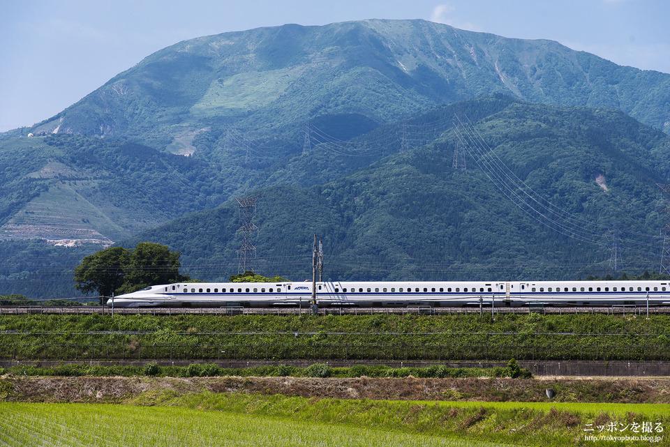 伊吹山と新幹線_0131