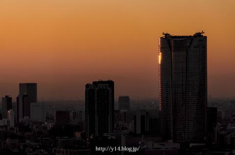 【浜松町 世界貿易センタービル】六本木ヒルズのシルエット