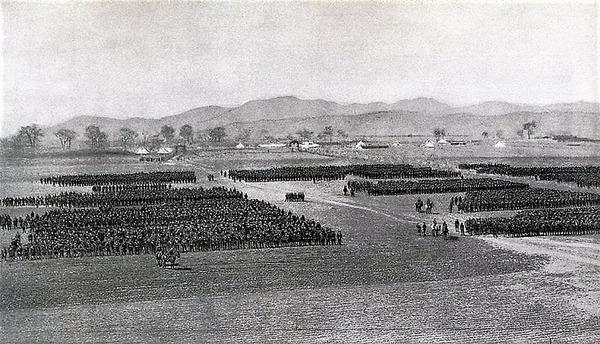 ((((奉天会戦後に点呼をとる日本軍第一師団