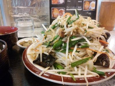 西船橋の「雪ん子」のレバニラ炒め定食