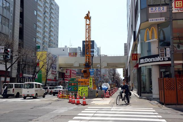 17.08.19 西創成・豊平川1/4 (17.04.24撮影)