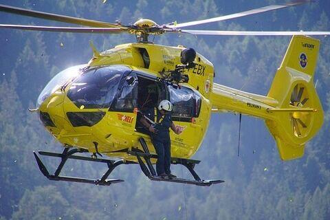 【悲報】ヘリコプターで救助されるも猛烈高速回転された女性の現在wwwwwwww(動画あり)