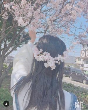 s_DZIG3dHUMAAAQFA-min