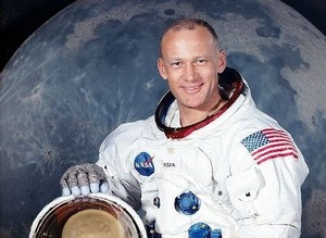 Aldrin8-min