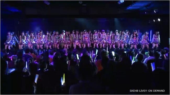 AKB48 DMMみる時は、部屋暗くしてサイ振りながらみるよね