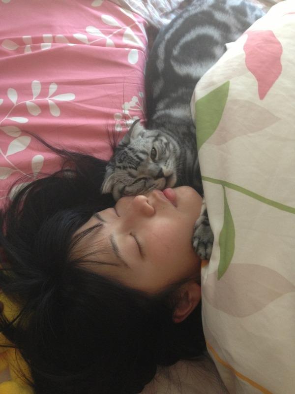 AKB48/NMB48横山由依の寝顔が可愛いと話題に!