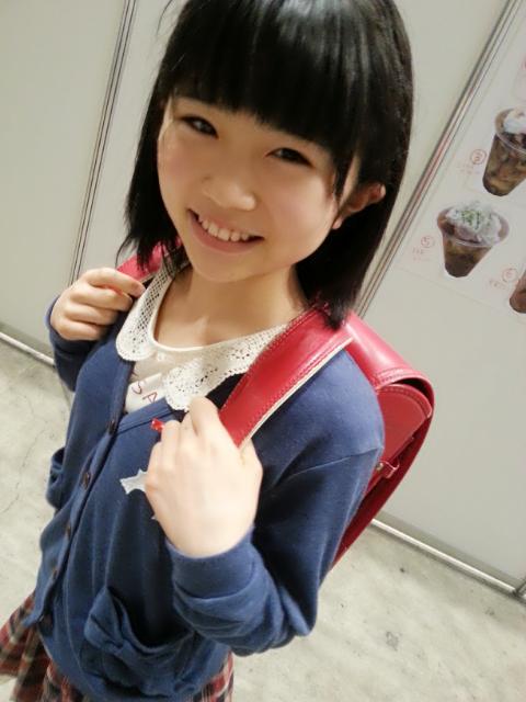 HKT48秋吉優花「あくしゅかいにいってきま~す」
