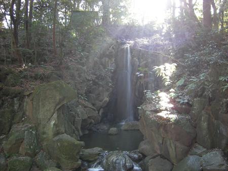 成田山公園の滝