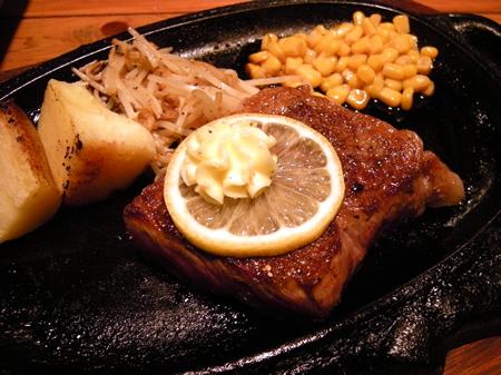 Tongs(トング)さんの黒毛和牛サーロインステーキ