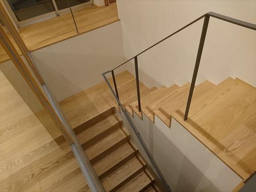 住宅 撮影 階段 リビング002