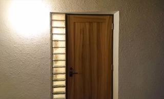 松山市 住宅 玄関ドア