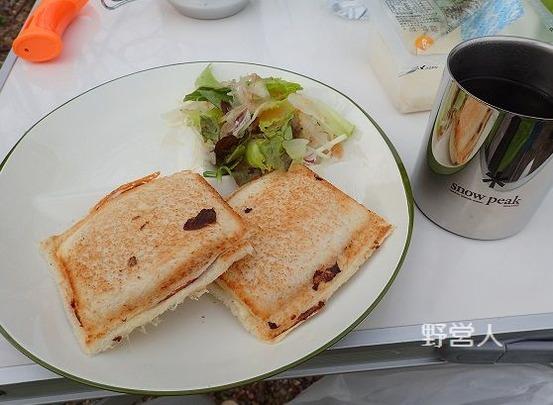 camping-breakfast1608