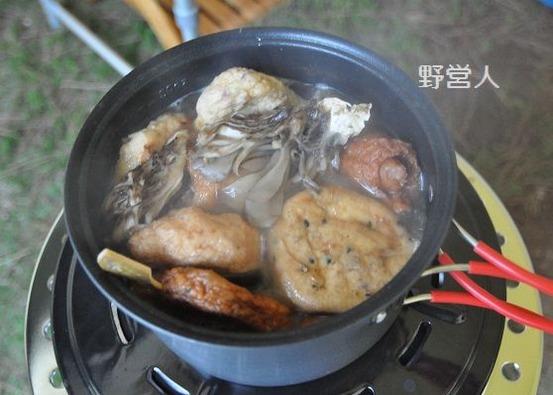 camping-dinner1608