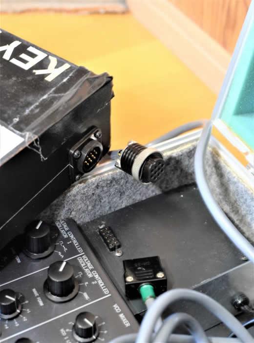 【珍品】■コルグ KORG MS20 ショルダーシンセ改造品 【ジャンク品】