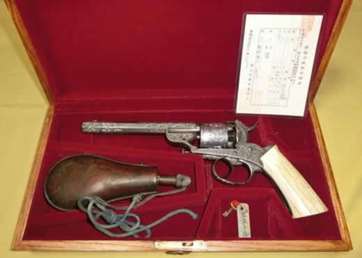 i12レボルバー管打ち式銃砲/リボルバー彫刻入り