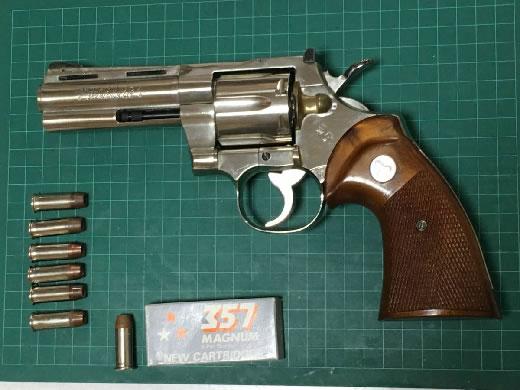 国際製 COLT PHTHON 357 マグナム モデルGUN 4インチ