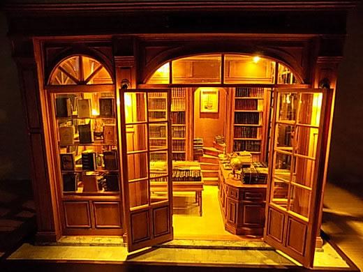 ◆ちねりや◆ドールハウス・ミニチュア・模型◆古書店�◆