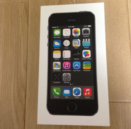 au iPhone5S 64GB ブラック