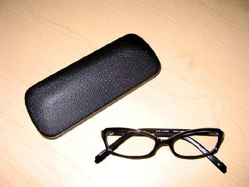 アンジェラアキさん使用メガネ