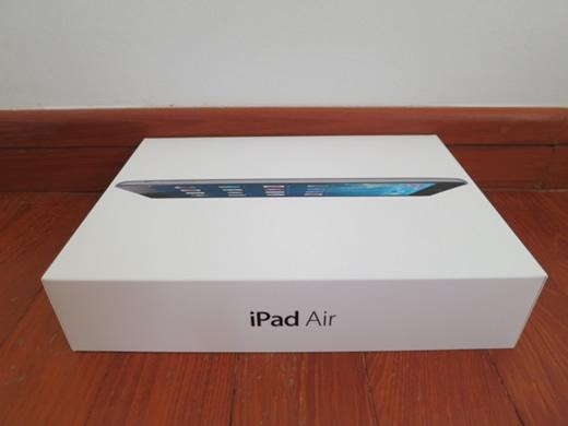 美品 iPad Air WiFi 32GB グレイ 化粧箱付属品有