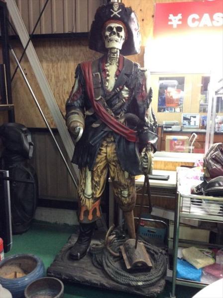 ガイコツ フック船長風 海賊 インテリア オブジェ FRP人形